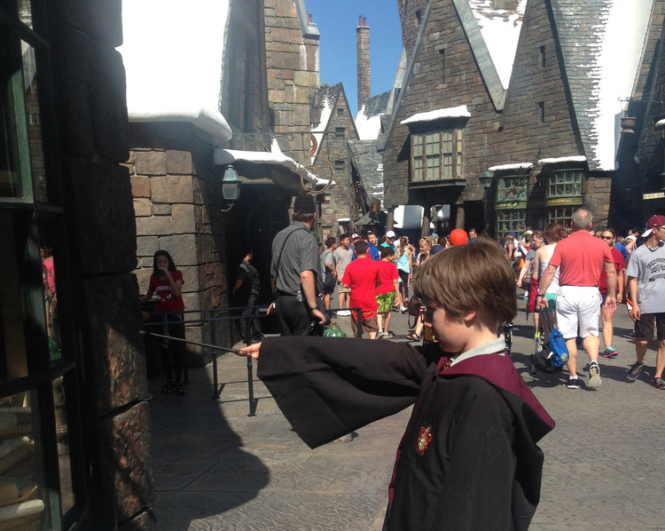 Architecture After the Event Horizon – Volume #49: Hello World!, The Wizarding World of Harry Potter (WWoHP) at Universal theme parks in Florida. Image Courtesy of Volume Magazine