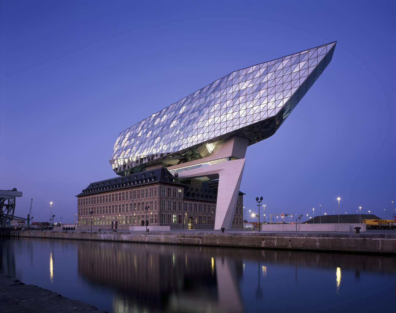 Zaha Hadid Harbour House Antwerp Port House Amberes Bélgica