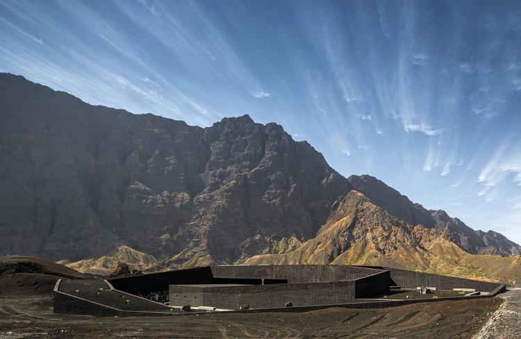Parque Natural Fogo de OTO, Antes de ser destruido por el volcán. Imagen © Fernando Guerra   FG + SG
