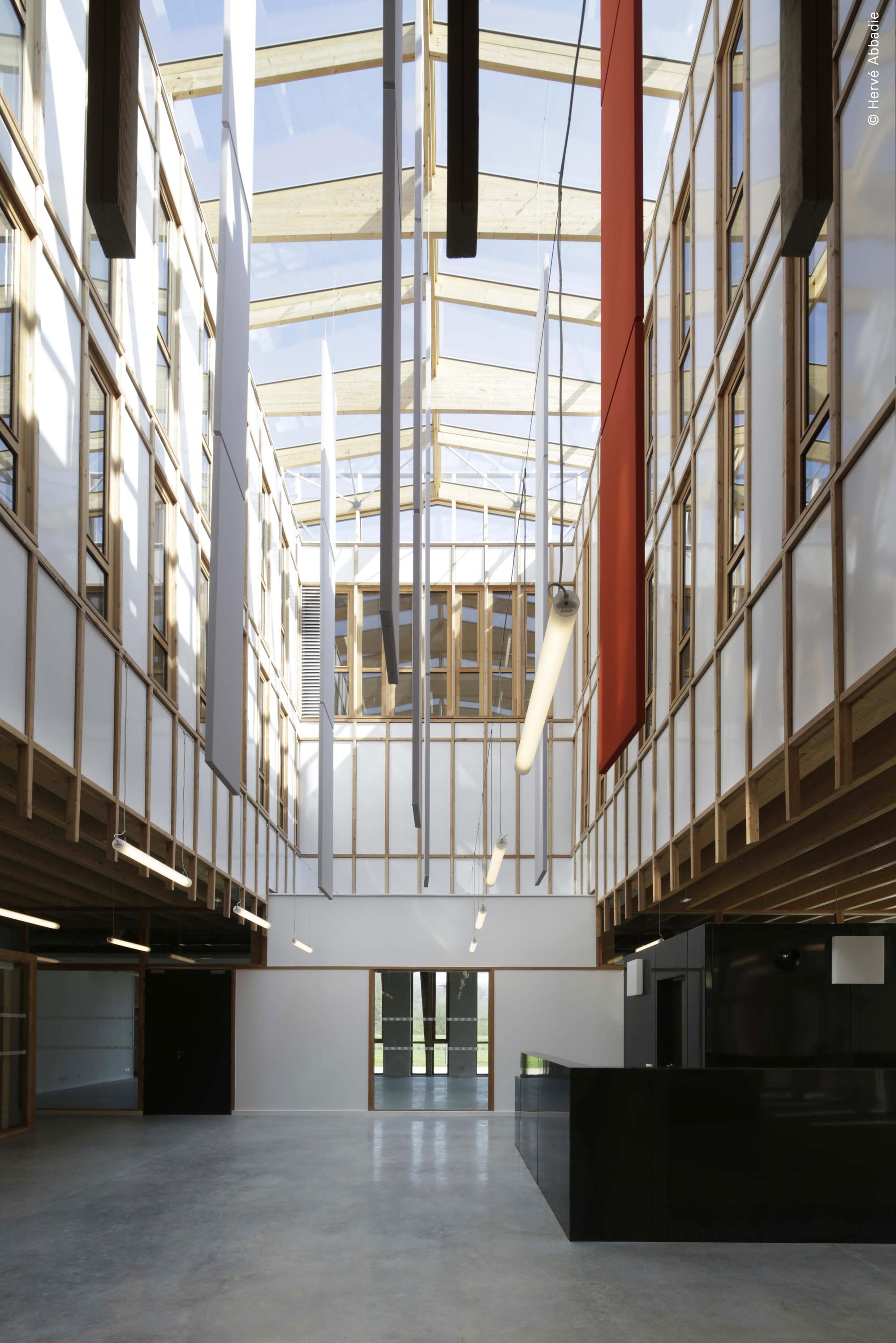 galer a de sede de la universidad saint quentin de versalles fabienne bulle architecte. Black Bedroom Furniture Sets. Home Design Ideas