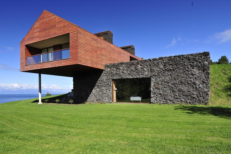 Casa Maiten  / Cristian Hrdalo, © Guy Wenborne
