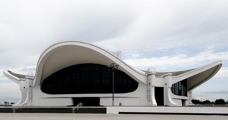 Pavilion of International Exhibitions, Minsk, Belarus. Built 1980s. Architects: Leonard Moskalevich, Galina Laskavaya, Viktor Kopylov, Gavril Fedosenko. Photo by Alla Rusu. Image © BACU