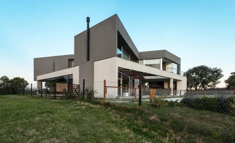 Casa TZ / Centro Cero Estudio, © Joaquín Portela & Leonardo G. Valtuille