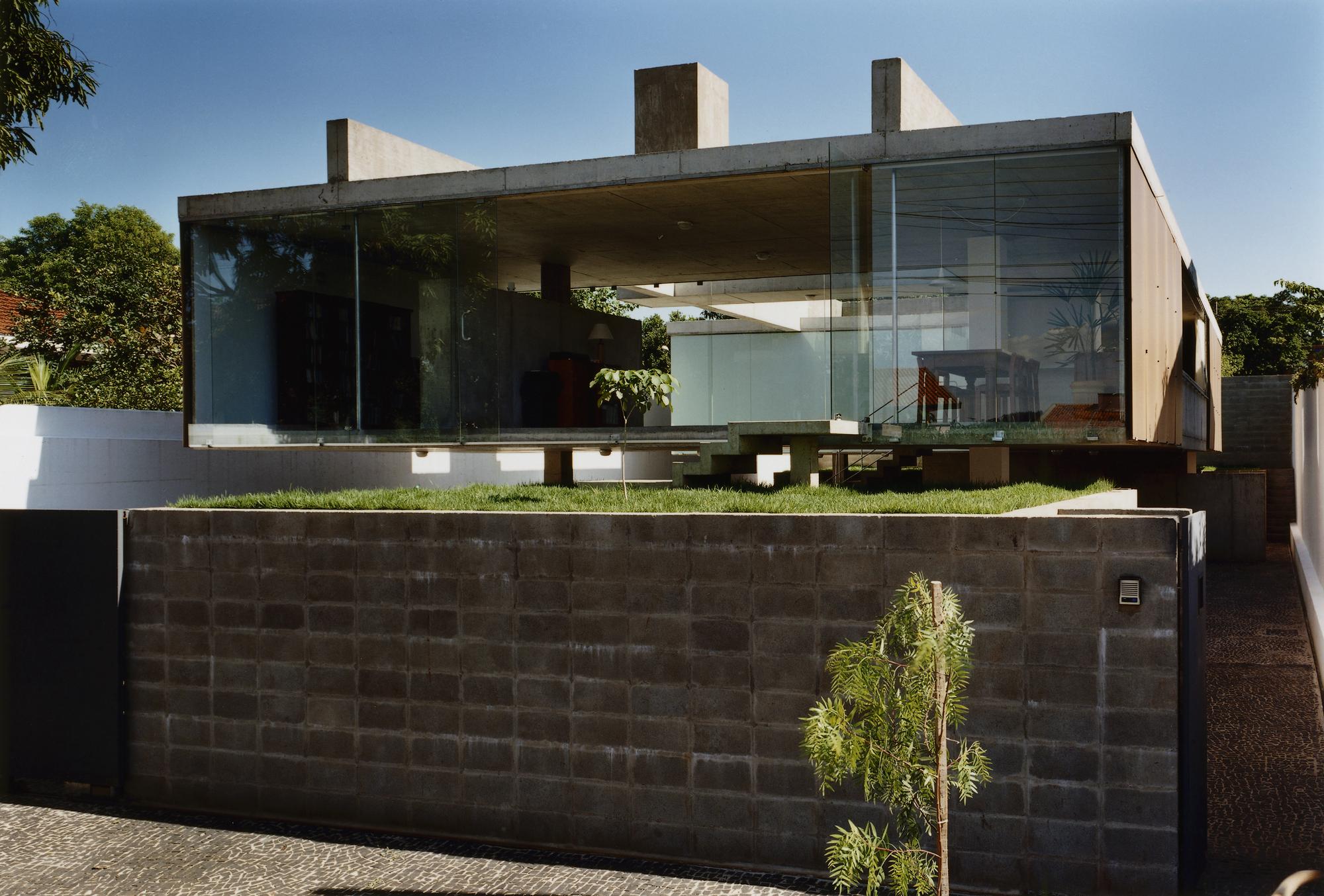 Gallery of ribeir o preto house spbr arquitetos mmbb for Home designs com