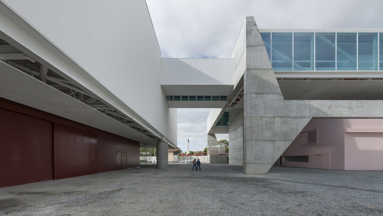 Museu dos Coches / Paulo Mendes da Rocha. Image © Armenio Teixeira