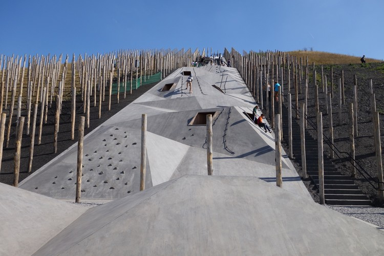 Play Landscape be-MINE / Carve + OMGEVING, Cortesía de Carve