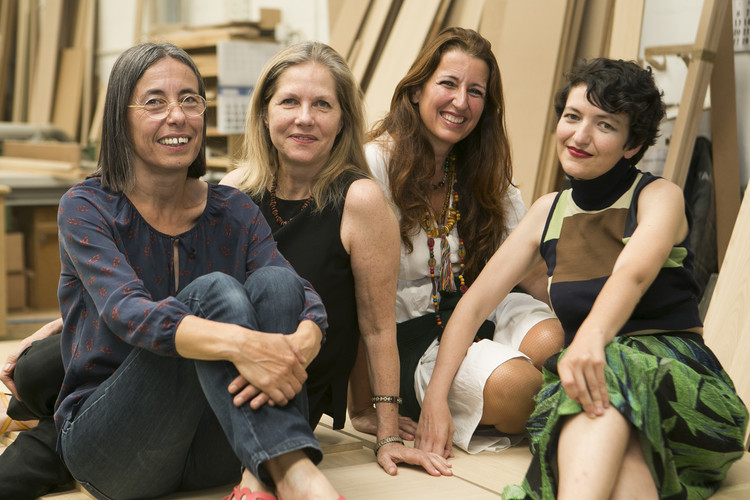 Carmen Pigem (izq), Martha Thorne, Benedetta Tagliabue e Izaskun Chinchilla. Image © Diego Sánchez