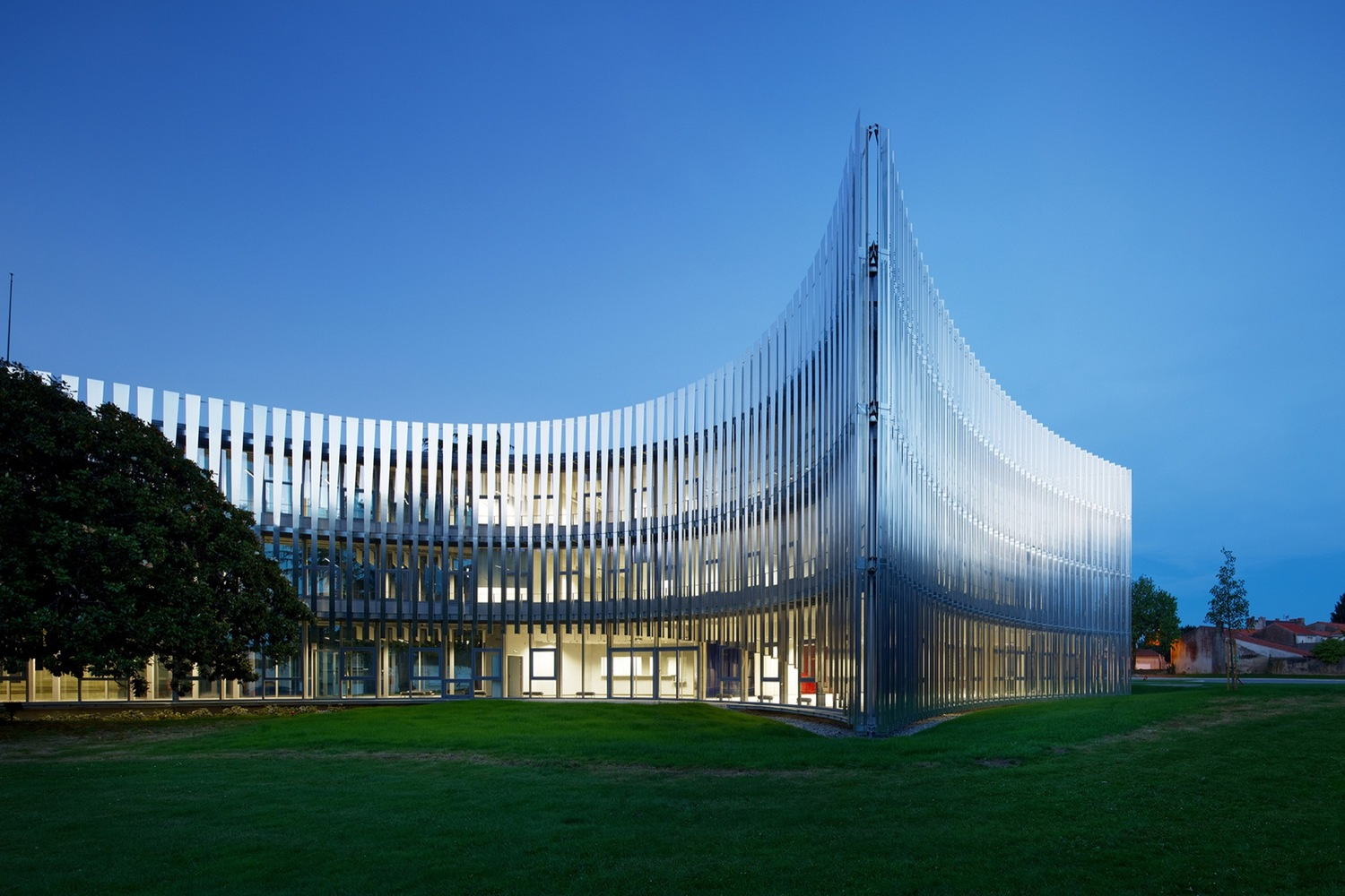 Community of Municipalities' Offices / Atelier du Pont