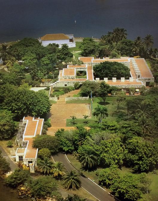 Casa presidencial del Fuerte San Juan de Manzanillo. Image © Ricardo L. Castro