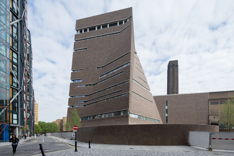 Best New Museum, Europe: Tate Modern Switch House extension, Londres / Herzog & de Meuron. Imagen © Iwan Baan