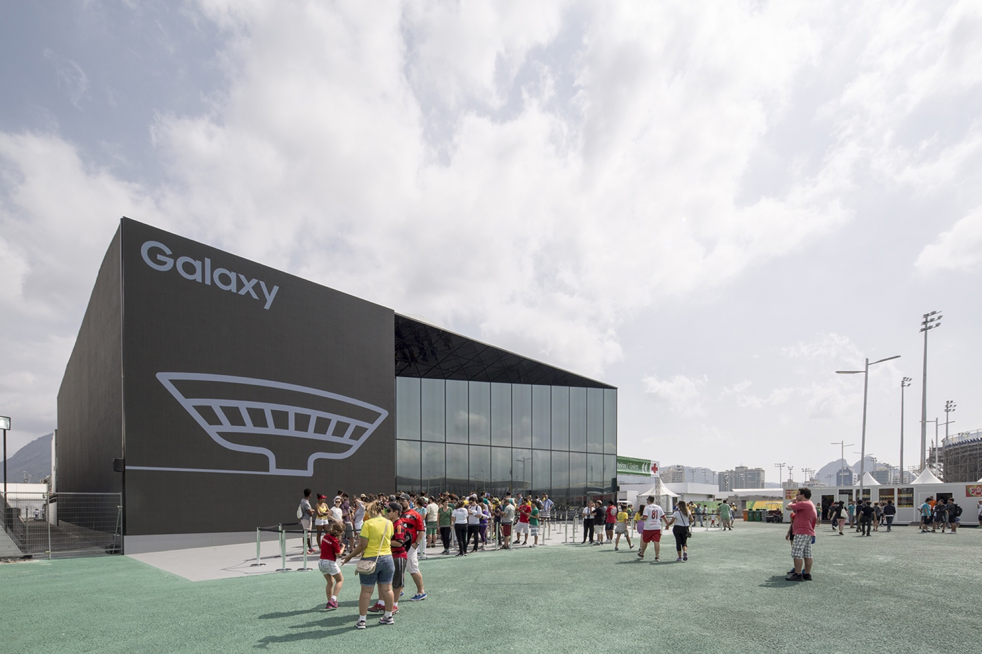 Samsung opera house projections competition