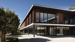 Centro socio-sanitario residencial para personas mayores  / Rubio Bilbao Arquitectos