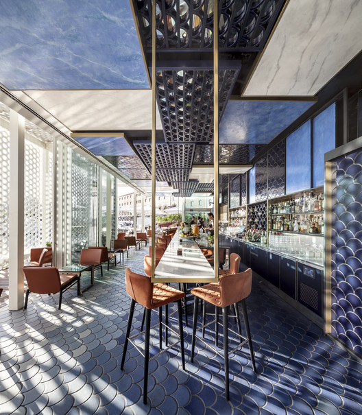 Blue Wave / El Equipo Creativo . Image Cortesía de The Restaurant & Bar Design Awards