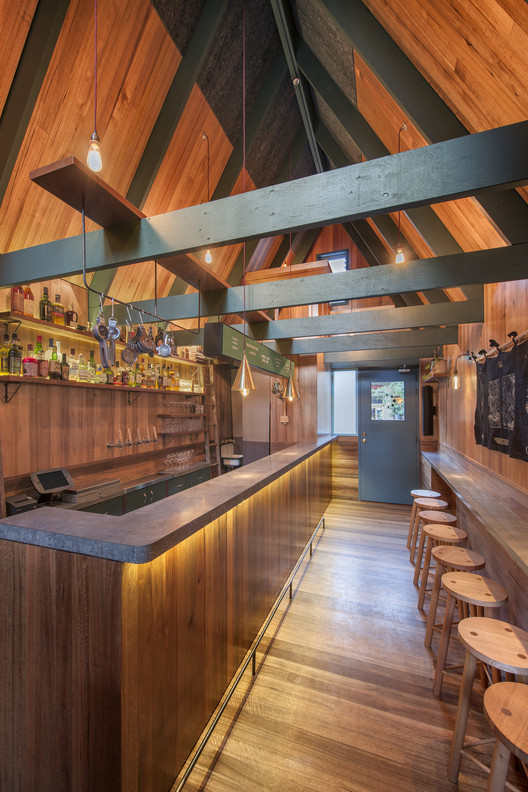 Pink Moon Saloon / Sans-Arc Studio. Image Cortesía de The Restaurant & Bar Design Awards