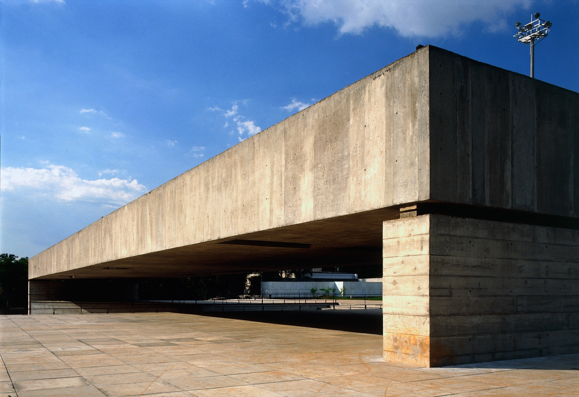 Gallery of paulo mendes da rocha architecture does not for Da architecture