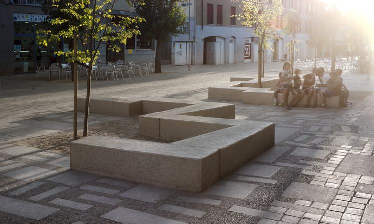 Peatonalización en el entorno de la Plaza de la Constitución de Torrelodones. Image Cortesía de COAM