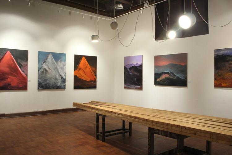 Sala del coleccionista de arte. Casa Paz Soldán. Image © Hitoshi Hiromoto
