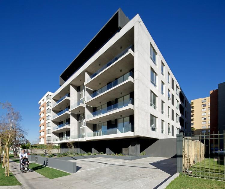Edificio Piacenza  / SML Arquitectos  + TRI-Arquitectura, © Nico Saieh