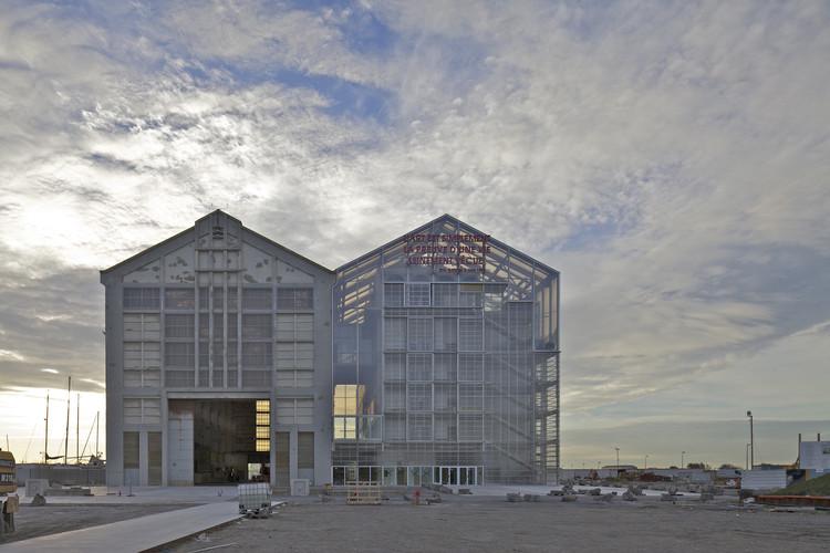 Lacaton & Vassal and UMWELT Awarded the 2016 Lisbon Architecture Triennale's Lifetime Achievement and Début Awards, FRAC Dunkerque / Lacaton & Vassal. Image © Philippe Ruault