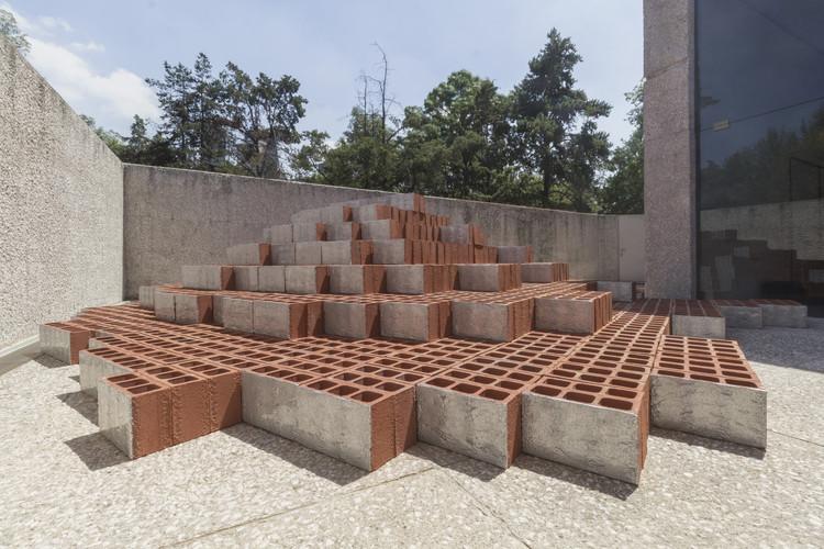 Zeller & Moye diseñan instalación inspirada en el contexto suburbano de la Ciudad de México para Design Week México, © Omar Muñoz