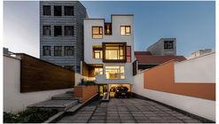 Apartamentos JUAN / Shahab Mirzaean