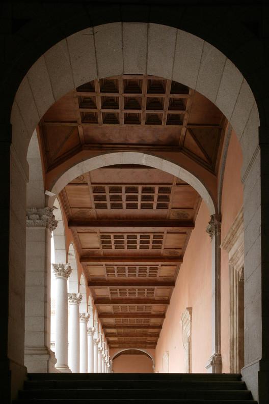 Patio del Alcázar de Toledo. Image Cortesía de Bestimagen