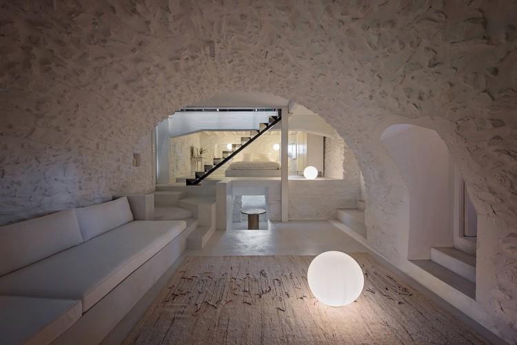 Vacation House in Karyes  / Plaini and Karahalios Architects, © Nikos Papageorgiou