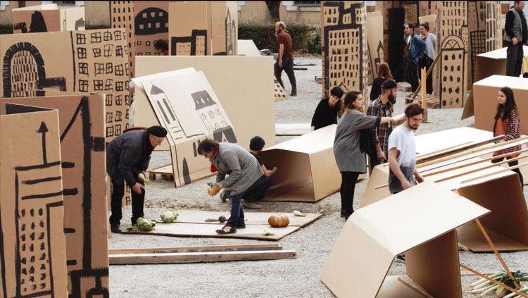 Jordi Colomer representará a España en la 57° Bienal de Arte en Venecia, X-Ville (2015). Image © Flickr User: Monmar comunicacio, bajo licencia CC BY-SA 2.0