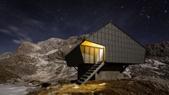 Alpine Shelter 'Bivak na Prehodavcih' / Premica Architects
