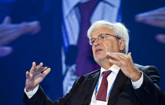 Joan Clos en la apertura del World Water Week 2011. Image © Flickr User: worldwaterweek [Thomas Henrikson/SIWI], bajo licencia CC BY 2.0