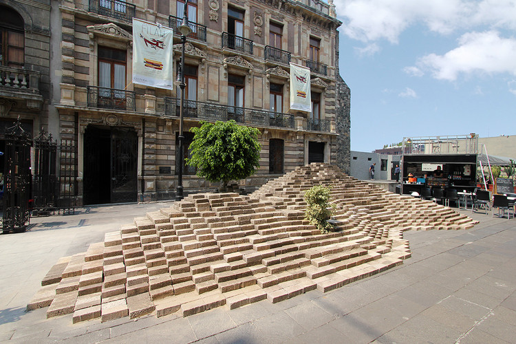 24 mil blocks de cemento forman 'La Mancha' en Ciudad de México, © Sebastian Suarez