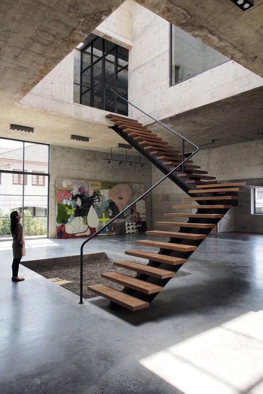 Solid Concrete Studio + Gallery / ASWA