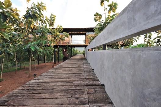 Matale Holiday Retreat / Thisara Thanapathy Associates