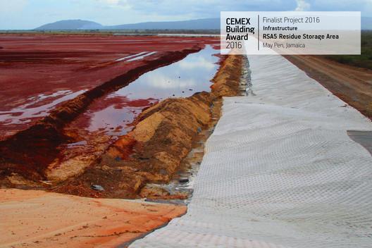 RSA5 Residue Storage Area / Caribbean Enterprises Inc.. May Pen, Jamaica. Image  Cortesía de CEMEX Building Award