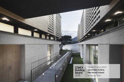 Oak House School / Trasbordo Arquitectura y Gerencia de Construcción S.L.. Barcelona, Spain. Image © Enrique Cabeza de Vaca