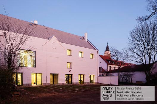 Guild House Slavonice / ov-a/ ov architekti,s.r.o. Slavonice, Czech Republic. Image © Tomas Soucek Guild House Slavonice / ov-a/ ov architekti,s.r.o.. Slavonice, Czech Republic. Image © Tomas Soucek