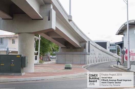 Fiftieth Avenue Road Improvement Chanis Sector / Construtora Norberto Odebrecht. Panamá, Panamá. Image © Eleazar Planas