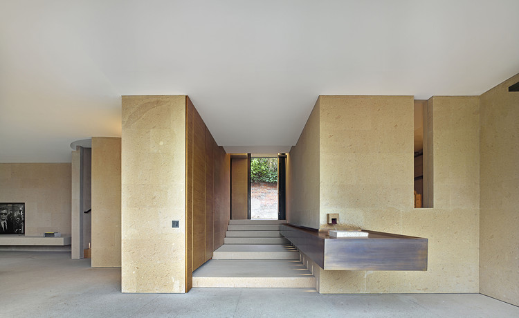 Casa Cannon Lan, Claudio Silvestrin Architects. © James Morris