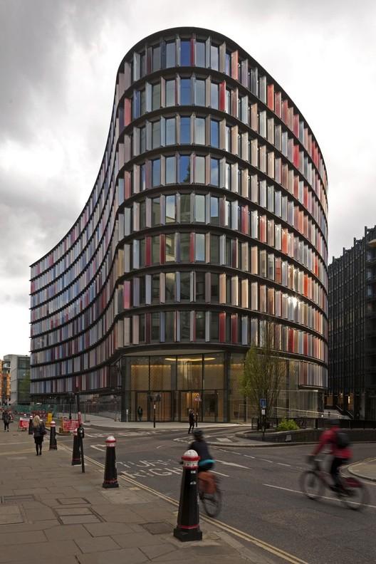 Novo Ludgate, Fletcher Priest Architects + Sauerbruch Hutton Architects. © Jan Bitter