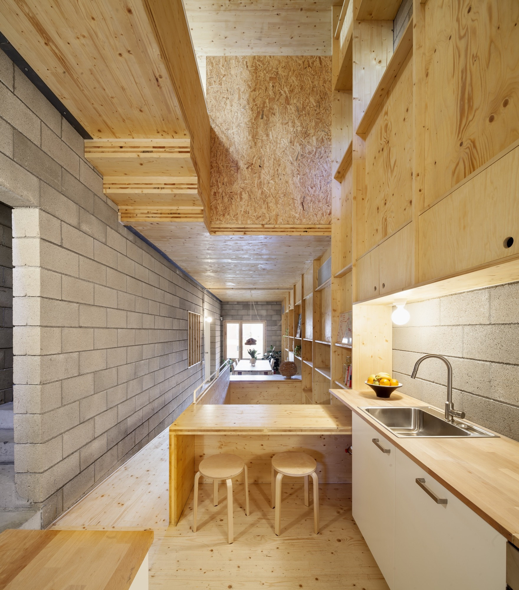House Between Party Walls Josep Ferrando Archdaily
