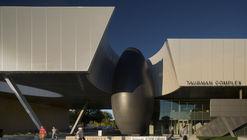 Complejo Taubman en Lawrence Tech / Morphosis Architects
