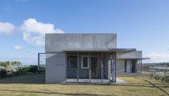 Villa in Yoron / Case-Real