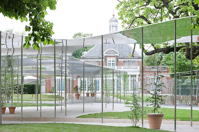 The 2009 Serpentine Gallery Pavilion. Image © Iwan Baan