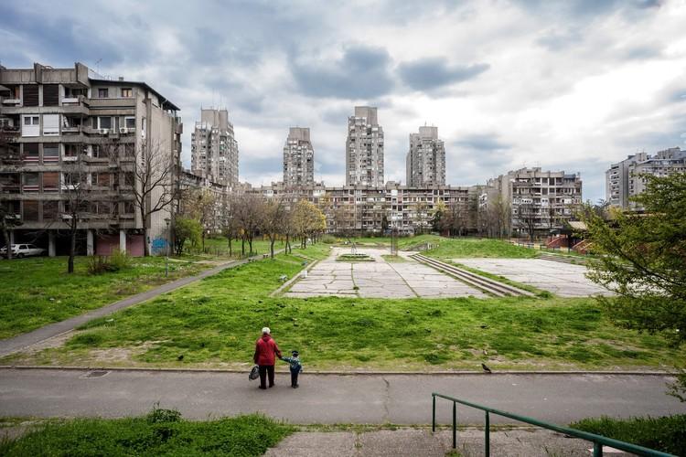 Photographer: Inigo Bujedo Aguirre - Building: Blok 23, Novi Beograd, Belgrade, Serbia / Aleksandar Stjepanovic. Image via Arcaid Images