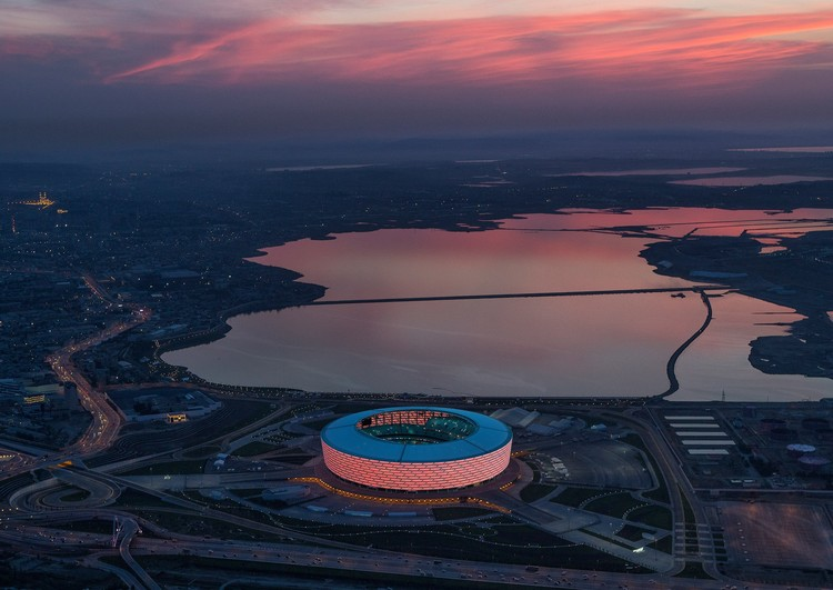 Fotógrafo: Victor Romero - Building: Baku National Stadium, Azerbaijan / ROSSETTI with Heerim Architects. Imagem via Arcaid Images