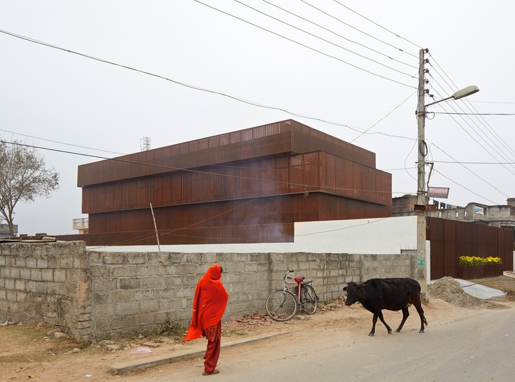 Fotógrafo: Edmund Sumner - Building: Lattice House, Kashmir, India / sP+A Architects (Sameep Padora). Imagem via Arcaid Images