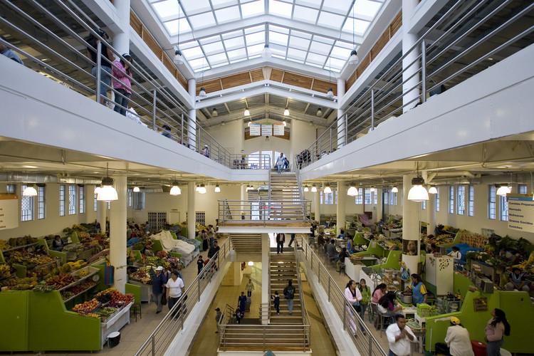 Conoce el proyecto ganador del Premio Latinoamericano de Arquitectura Rogelio Salmona, Mercado 9 de octubre y Plaza Rotary / Boris Albornoz. Image Cortesía de Fundación Rogelio Salmona
