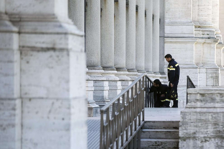 Inspections underway in Rome. Image vía La Repubblica (Roma)