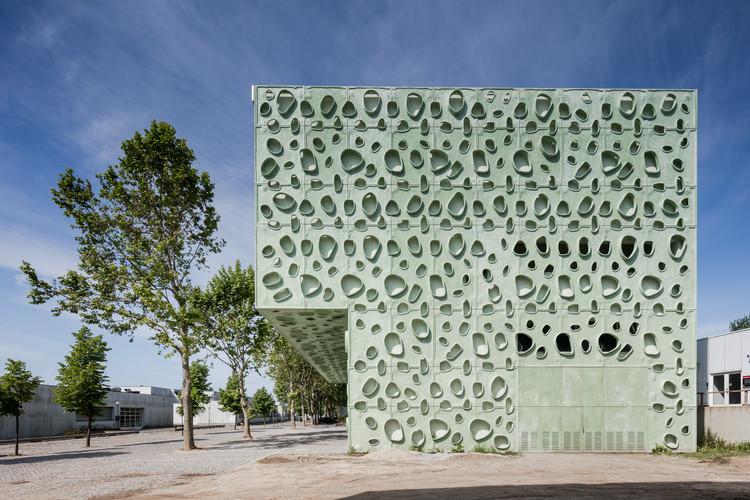 Institute of Science and Innovation for Bio-Sustainability / Cláudio Vilarinho, © João Morgado