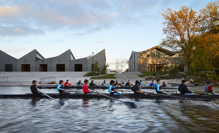 WMS Boathouse at Clark Park, Chicago, 2013. Image © Hedrich Blessing. Photographer Steve Hall